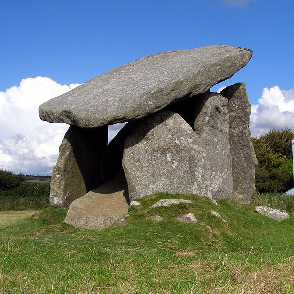 600px-Trethevy_quoit_cornwall01